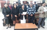 न्यायाधिकारियों व न्यायिक कर्मियों ने ली मतदाता शपथ