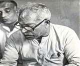 बिहार के राजनीतिक गलियारों में सबने कर्पूरी को माना 'अपना', दूसरों पर किया कटाक्ष