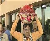 Rajasthan Vidhan Sabha Session: हंगामे के साथ शुरू हुआ सत्र, भाजपा विधायक टिड्डियों को लेकर विधानसभा पहुंचे
