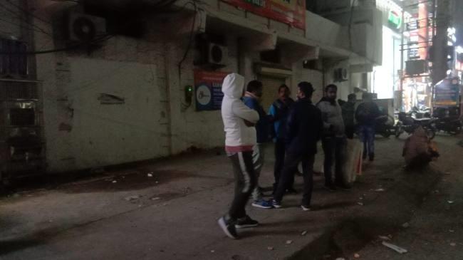 पानीपत शहरी विधायक प्रमोद विज के कार्यालय पर धरना दे रहे सब्जी विक्रेताओं को हटाया