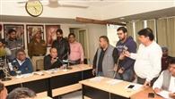 पुलिस के पहरे में उठा कूड़ा, आपात मीटिग में 160 सीवरमैन की भर्ती पर दोबारा मुहर