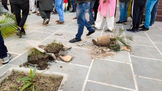 Congress daughterchar(39)s daughter-in-law dies in suspicious circumstances, uproar - Uttarakhand Haridwar Crime News