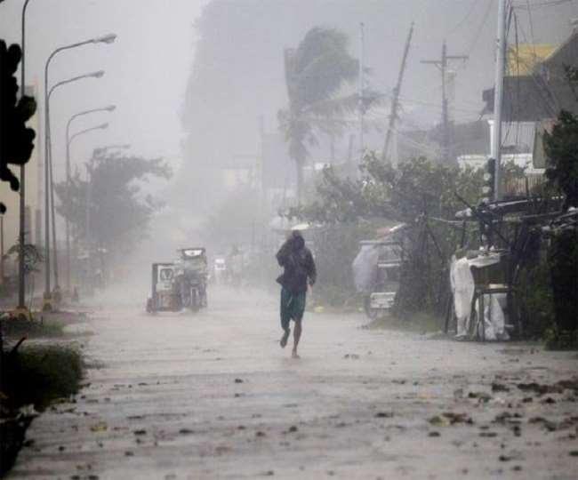 मौसम विभाग ने यूपी-दिल्ली सहित कई राज्यों में भारी बारिश की संभावना व्यक्त की है (फाइल फोटो)