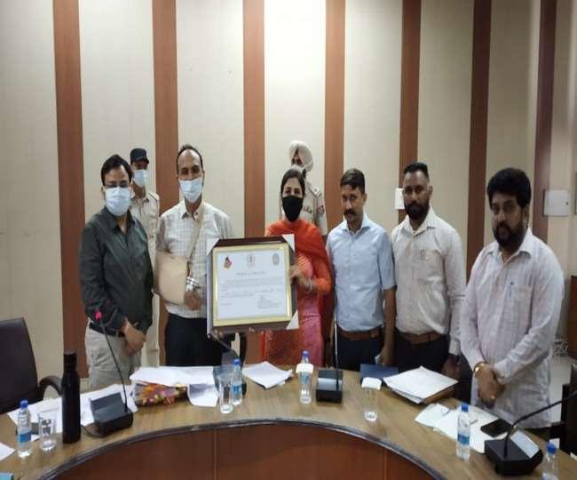 लुधियाना डिप्टी कमिश्नर वरिंदर कुमार शर्मा मिशन रेड स्काई की समीक्षा के लिए बैठक की।