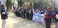 राष्ट्रीय मतदाता दिवस पर दिलाई गई शपथ