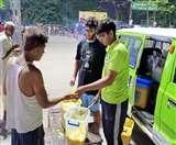 फीडिंग इंडियाः घर, होटल और समारोहों का बचा खाना भूखों के पेट तक पहुंचाते हैं इस संस्था के लोग