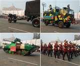 Republic Day Parade 2020: पुष्प वर्षा के साथ लखनऊ में लहराया तिरंगा, देश की सैन्य शक्ति और शौर्य की निकली झांकी