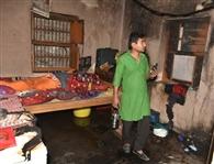 कमरे में धमाके के बाद लगी आग, मासूम की मौत, युवक-युवती झुलसे
