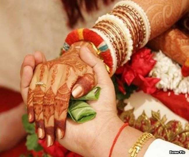 कोरोना के बढ़ते संक्रमण को देखते हुए कई ने टाल दी शादी, अब अक्टूबर, नवंबर में विवाह होगा। (प्रतीकात्मक फोटो)