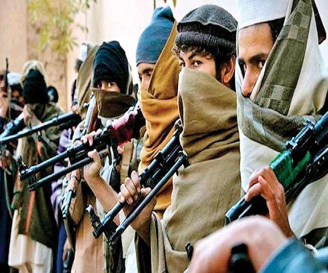 तालिबान आतंकवादियों (Taliban militants) ने धमकी दी है