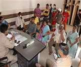 Lockdown : सपा नेता की मौत पर थाने पर हंगामा, परिजनों ने लगाए आरोप Aligarh News