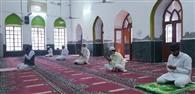 मुस्लिम भाईचारा ने घर में ही नवाज अदा कर मनाई ईद
