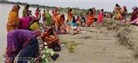 कोरोना से निजात के लिए कमला की शरण में महिलाएं