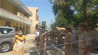 सील क्षेत्र में अलर्ट रहा पुलिस-प्रशासन
