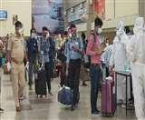 शुरू हुई दिल्ली, मुंबई की उड़ान यात्रियों ने ली राहत की सांस Gorakhpur News