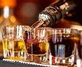 ठेकेदारों का दावा, सरकार नाजायज शराब की बिक्री रुकवाने का दिखावा कर लुभाने में लगी