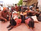 ट्रेन से जबलपुर के लिए चले, चार राज्यों में भटकते हुए पांचवें दिन पहुंचे बलिया