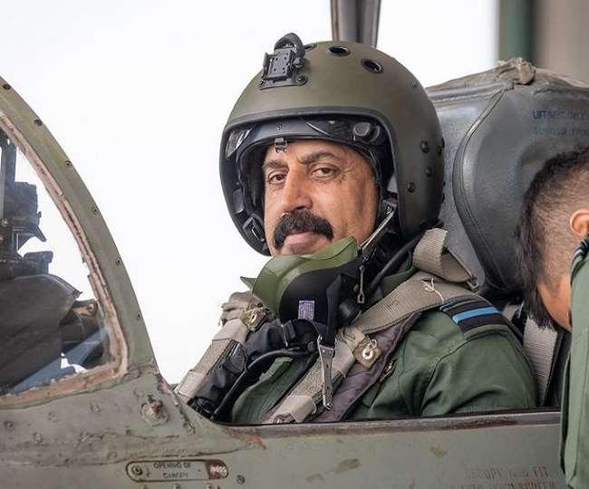 IAF प्रमुख आरकेएस भदौरिया ने लड़ाकू विमान में भरी अपनी अंतिम उड़ान, 30 सितंबर हो जाएंगे रिटायर