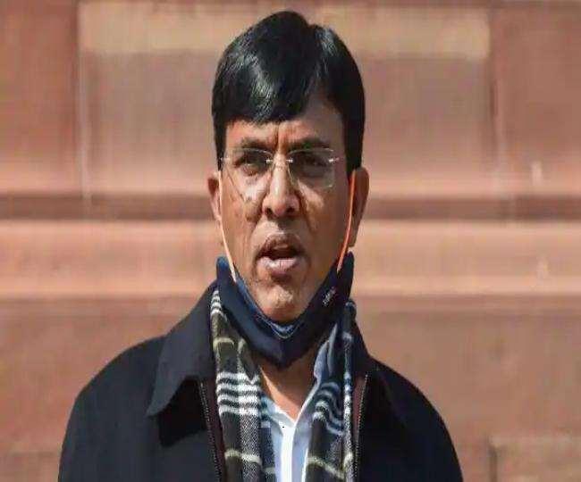 मनसुख मांडविया ने ने एम्स में अत्याधुनिक आटोमेटेट ड्राई कमेस्ट्री लैब का शुभारंभ किया।