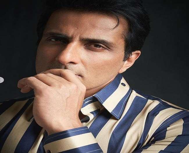 सोनू सूद पर 20 करोड़ रुपए की टैक्स की चोरी और एफसीआरए के उल्लंघन का आरोप हैl