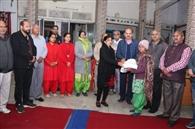 50 जरूरतमंद परिवारों को दिया राशन