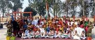 स्कूलों में धूमधाम से मनाया गया गणतंत्र दिवस