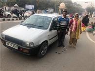 दुकान के आगे गाड़ी खड़ी कर प्रसाद नहीं खरीदा गुस्साए दुकानदार ने परिवार से की मारपीट