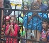 तिरंगा यात्रा निकालने को लेकर दो गुटों में चले ईंट-पत्थर, बमबाजी से दहशत Kanpur News