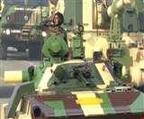 पहली बार गणतंत्र दिवस परेड पर दिखी धनुष बंदूक, युद्धक टैंक T-90 भीष्म ने दिखाया दम