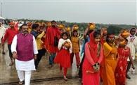 महारुद्र यज्ञ को लेकर निकाली गई भव्य कलश शोभायात्रा