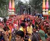 कोडरमा के ध्वजाधारी धाम में निकाली गई भव्य कलश यात्रा, कर्दम ऋषि के मंदिर की होगी प्राण-प्रतिष्ठा