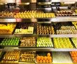 खुली मिठाई पर भी लिखनी होगी Expiry Date, दुकानदारों ने विरोध करते हुए गिनाई परेशानियां