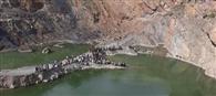 पत्थर खदान में भरे पानी में डूबीं पांच लड़कियां, दो की मौत