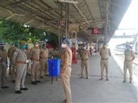पुलिस अधीक्षक रेलवे ने बस्ती स्टेशन का किया निरीक्षण