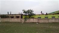 क्वारंटाइन सेंटर बड़बाद में रह रहे लोग शौच को बाहर निकले, ग्रामीणों में आक्रोश