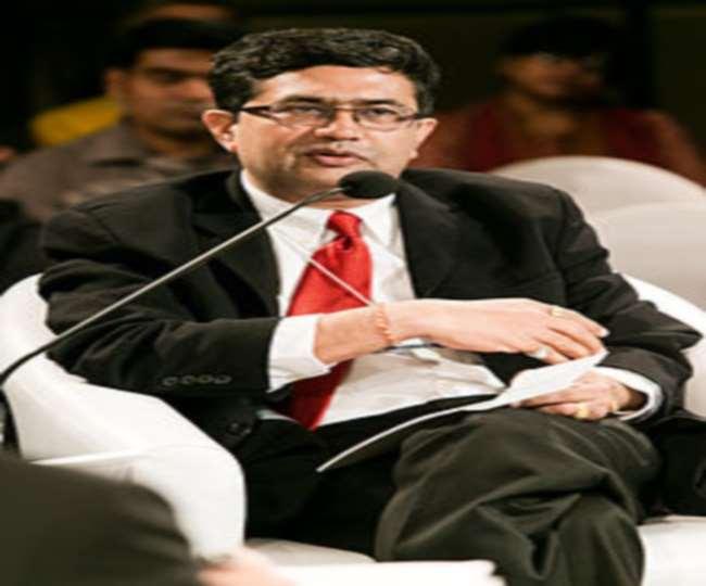 बीएसई के मुख्य कार्यकारी अधिकारी आशीष चौहान को इलाहाबाद विश्वविद्यालय का नया कुलपति नियुक्त किया गया है।