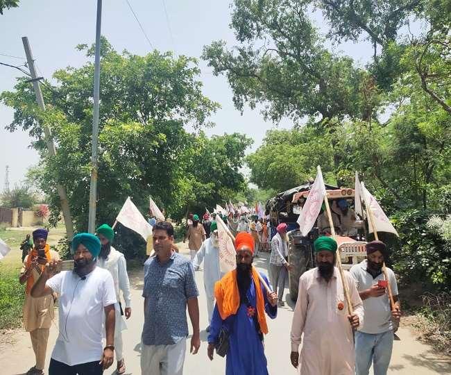 Kisan Andolan: दिल्ली में घुसने की कोशिश में 500 किसान प्रदर्शन, हरियाणा सीमा पर भारी पुलिस तैनात