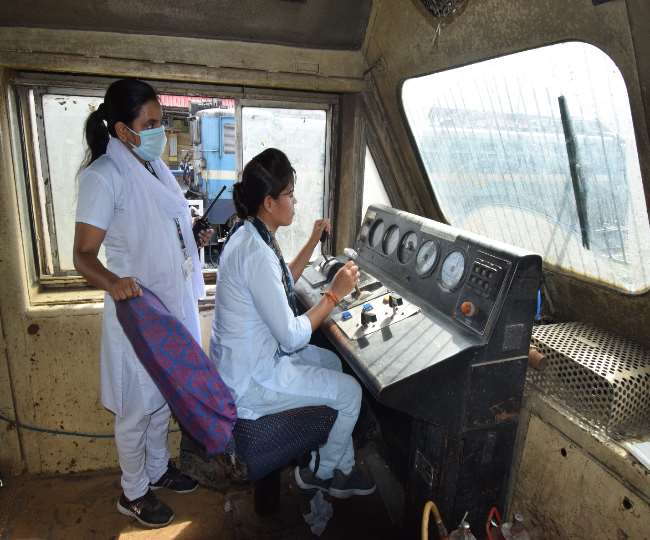 Coronavirus: संक्रमण में भी घर नहीं बैठ रहीं रेलवे की महिला लोको पायलट, दौड़ा रहीं ट्रेन Gorakhpur News