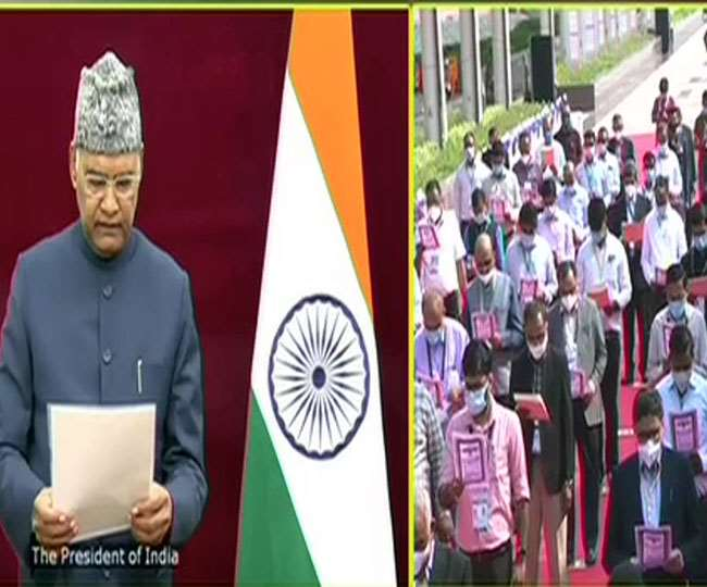 President Ram Nath Kovind leads the nation in reading the Preamble to the Constitution of India