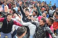 डीजे मिनाज की धुन पर थिरके छात्र-छात्राएं