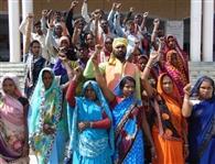 विद्युत विभाग के खिलाफ मारकुंडी के ग्रामीणों का प्रदर्शन