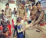 पुलिस ने बच्चों को भिक्षावृत्ति के अंधेरे से निकाला, स्कूलों में दिलाया दाखिला nainital news