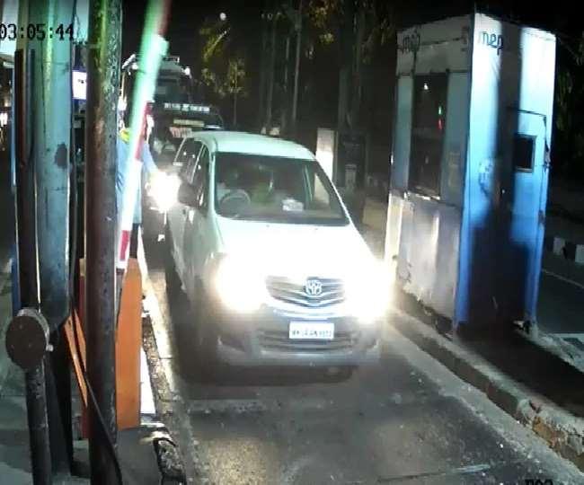 विस्फोटक से लदी स्कॉर्पियो के साथ दिखी इनोवा कार मुंबई से बाहर निकल गई है