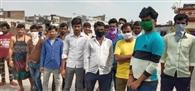 केरल, सूरत व चेन्नई में फंसे हैं हजारों मजदूर