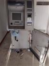 चोरों ने गैस कटर से एक्सिज बैंक का एटीम काटा