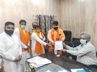 मंदिर खुलवाने के लिए मुख्यमंत्री को भेजा ज्ञापन