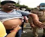 कमलानगर में पुलिसकर्मियों ने ट्रांसपोर्टर को घर के गेट पर डंडे से पीटा, SSP ने किया सस्पेंड