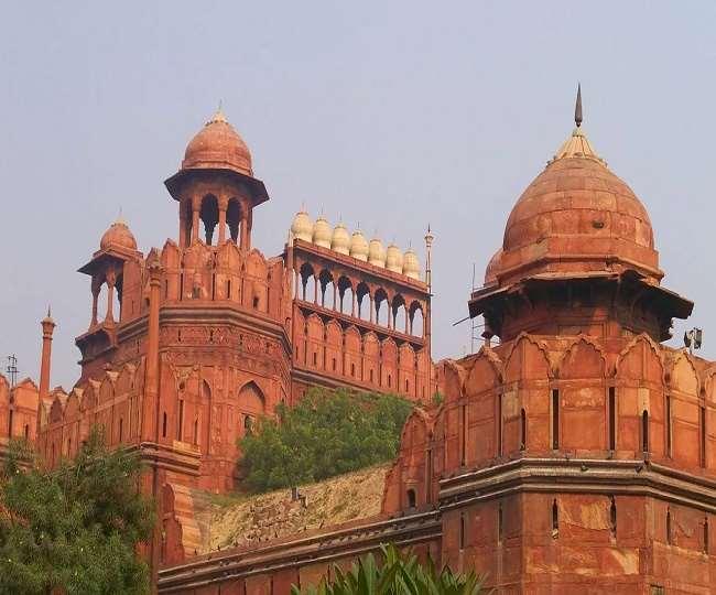 Red Fort Violence 2021: दिल्ली पुलिस की चार्जशीट से बड़ा खुलासा, लाल किला को धरना स्थल बनाना चाहते थे किसान