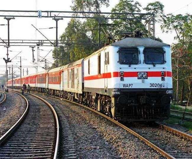 Indian Railway: यात्रीगण कृपया ध्यान दें, अब यात्रा से पहले देना होगा ये विवरण, जान लें क्या है नया नियम