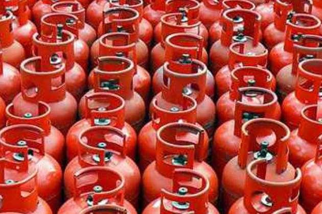 LPG Gas Cylinder Cashback Offer: गैस सिलेंडर मिलेगा 50 रुपये सस्ता, ऐसे करें ऑनलाइन बुकिंग